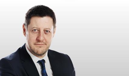 Andrew K MacMillan